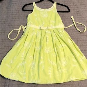Girls lime Summer dress w/embroidery & lining. Sz8